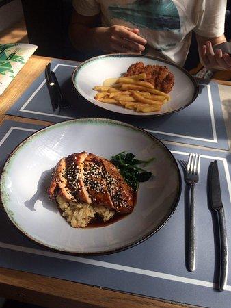 Tishe Myshi: Куриное филе в терияки с булгуром и шницель с фри