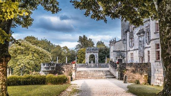 Château De Crazannes: Façade nord, crédit I-Déclic