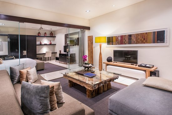 Cicada Luxury Townhouses : Rooftop Suite - Living Area