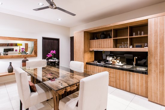 Cicada Luxury Townhouses: Rooftop Suite - Bathroom