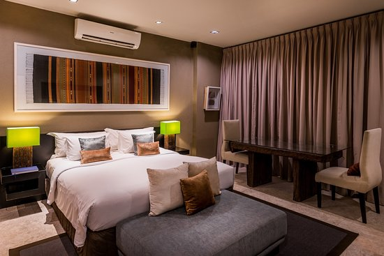 Cicada Luxury Townhouses: Executive Studio - Bedroom