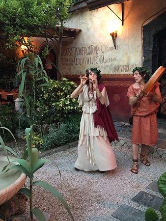 Caupona: pompei food experience