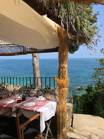 Isabella's By the Sea: Detalles