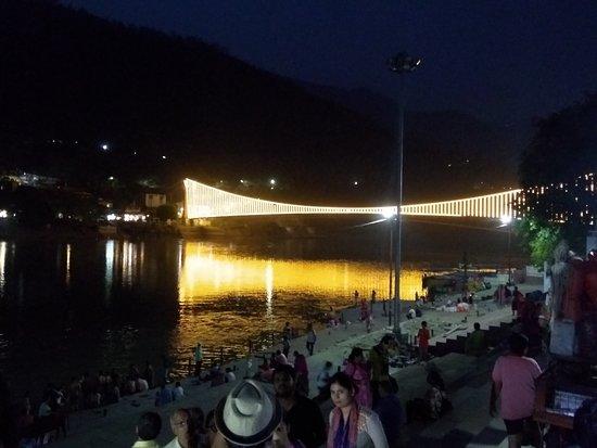 Ram Jhula: Bright bridge