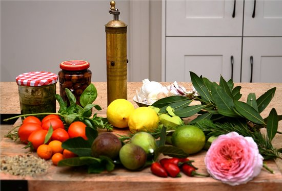 Cook with fresh ingredients and herbs from your local host's garden - Traveling Spoon