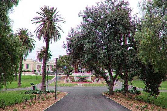 Johnstone Park: An attractive park