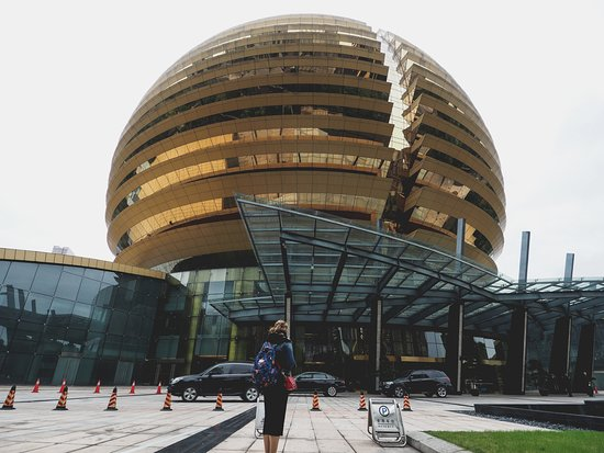 InterContinental Hangzhou: Nothing short of being iconic...