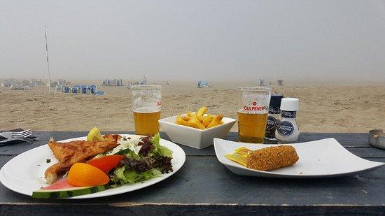 Strand 21: Sitio ideal para sentirte cerca del mar. Precios asequibles. No puedes fumar tabaco de liar, una