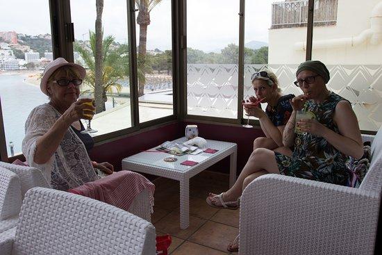 Cafe Bella Vista : My English Guests
