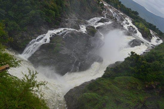 Shivasamudram Falls : top view of waterfalls