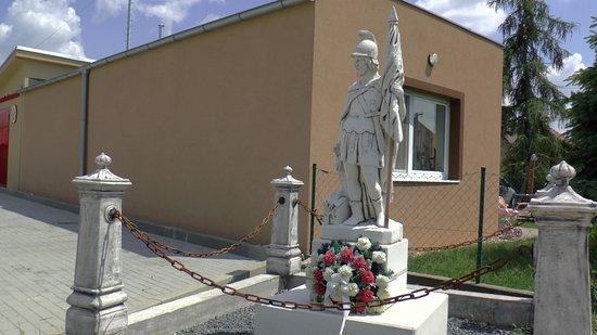 Velky Biel, سلوفاكيا: Socha svätého Urbana