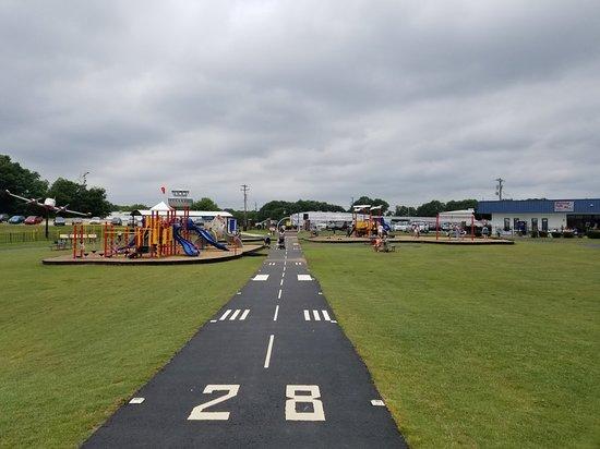Runway Park at GMU 사진