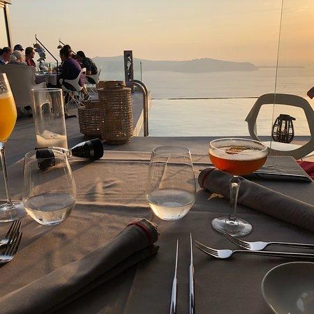 FlyAway Creative Restaurant & Bar Powered by West East Suites Photo