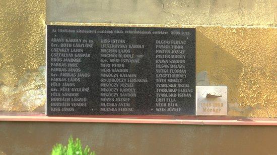 Tomasov, Eslovaquia: Pamätná tabuľa padlých