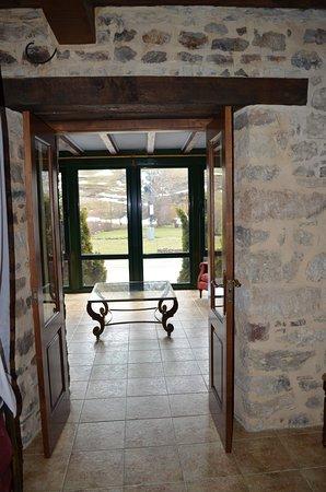 Hotel Posada Fuentes Carrionas: Suite y salon