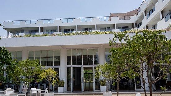 Anilana Nilaveli: Rear entrance from the pool