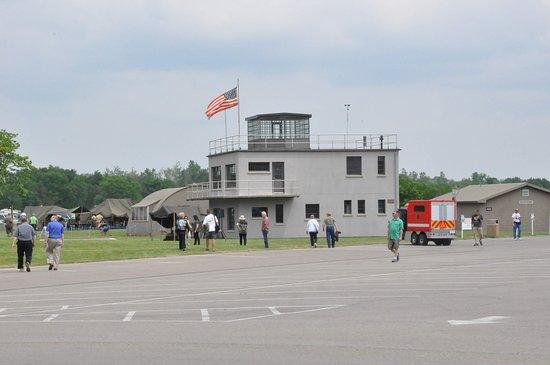 พิพิธภัณฑ์กองทัพอากาศแห่งชาติ: Replica of 8th Air Force Control Tower