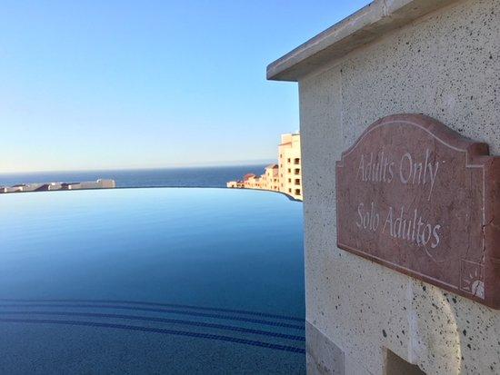 Playa Grande Resort : At The Ridge overlooking the ocean.