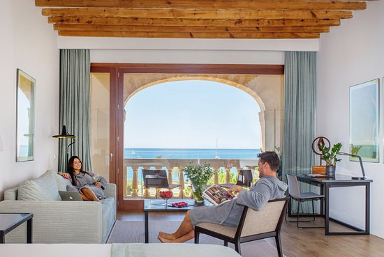 Boutique Hotel Calatrava : Suite with sea views and terrace