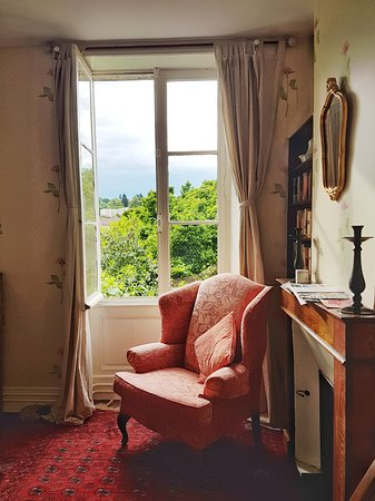 Maison du Magnolia: Comfy chair in my room
