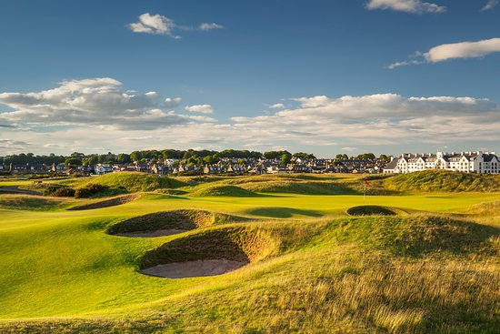 Carnoustie Golf Links: 15th Hole of The Carnoustie Championship Course