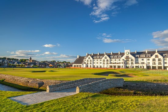 Carnoustie Golf Links: 18th Green of The Carnoustie Championship Course