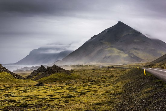 Hey Iceland: A long and winding road