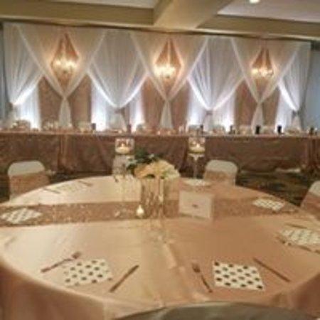 Bottineau, Dakota Północna: Convention Center set for wedding