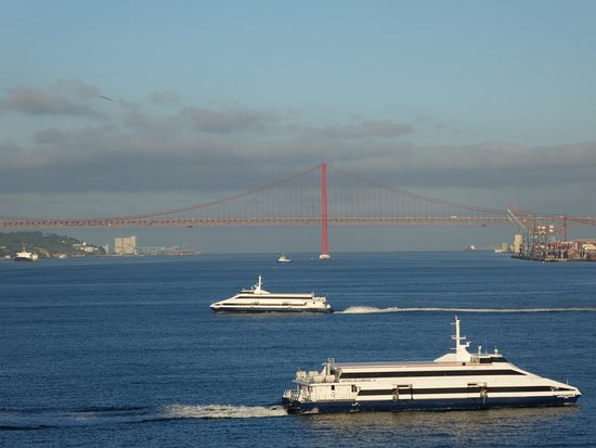 Discover Oasis - Boat Tours: vue sur le pont