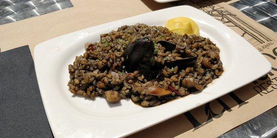 Restaurant La Placa: Black rice
