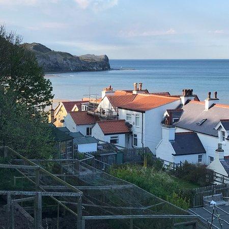 Sandsend Cottages Photo