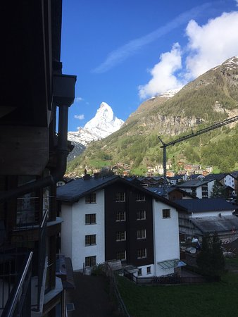 Hotel Phoenix : Matterhorn from our second floor balcony window.
