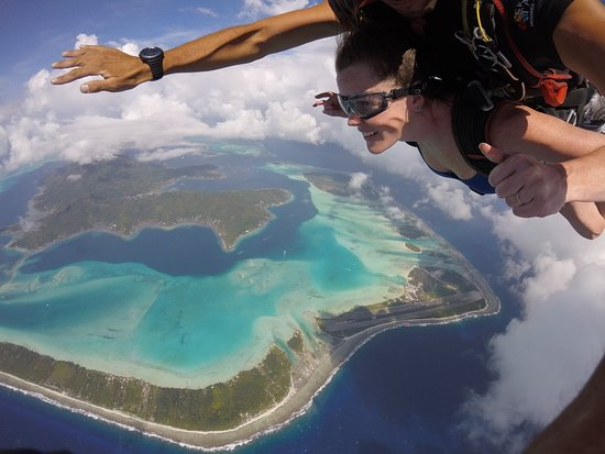 Temae, Fransk Polynesia: Skydiving over Bora Bora