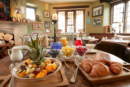 Burford House: Start your day the right way...at the breakfast buffet