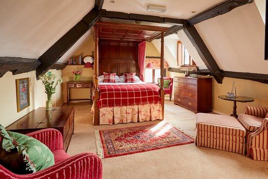 Burford House: The spacious Sherborne room
