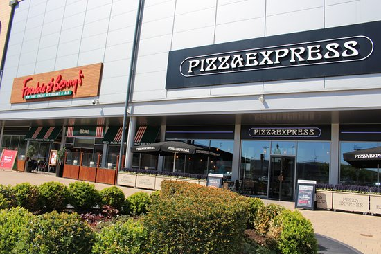Dalton Park Outlet : Restaurant Piazza at Dalton Park