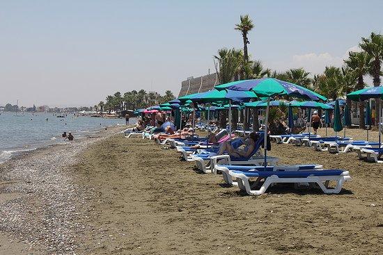 Yiannades Beach: brach area looking towards Larnaca may 2018