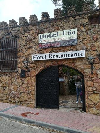 Una, Ισπανία: Entrada