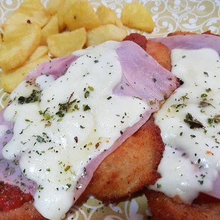 Via Gustosi Pizzeria Playa San Juan: milanesa napolitana de pollo