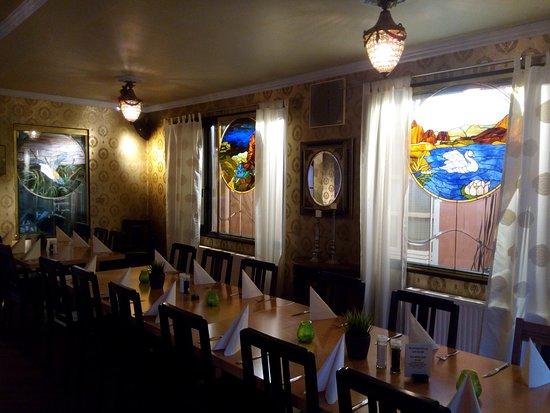 Paderborner Brauhaus: The tables inside the restaurant