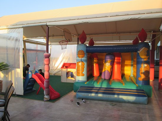 Something Different: детская площадка
