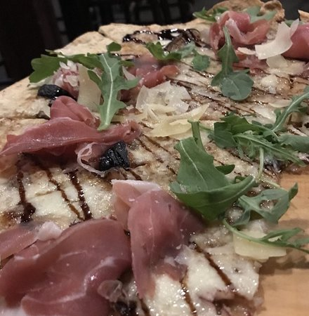 The Federal Restaurant & Bar: Prosciutto and fig pizza