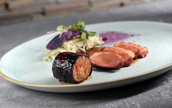 V Zatisi : DUCK VARIATION, WHITE CABBAGE WITH HERBS, potato, duck sauce with red cabbage juice