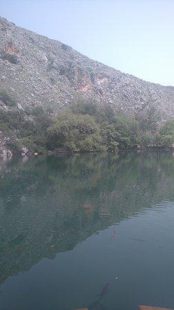 Zaros Lake-bild