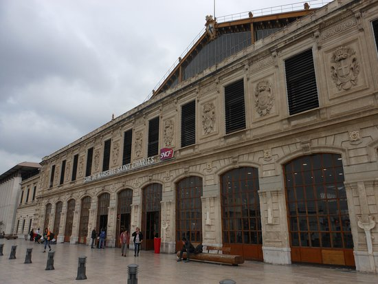 Gare de Marseille Saint-Charles: the station