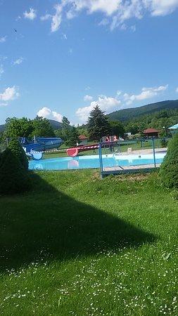 Muszyna, โปแลนด์: Plac zabaw i basen