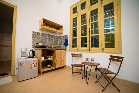 Lily Homestay Vong Thi: Private kitchen in the bedroom
