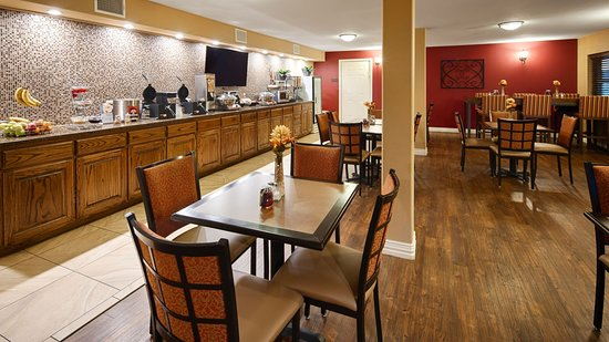 Best Western Canton Inn : Our wonderful breakfast area