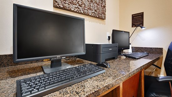 Best Western Canton Inn : Need a boarding pass printed? Here's your stop!