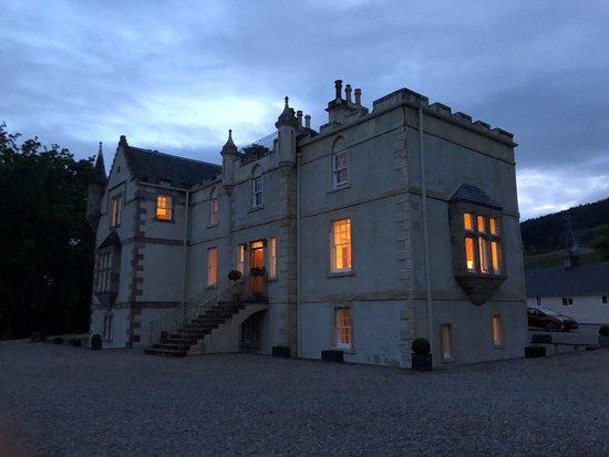 Evanton, UK: House in the evening